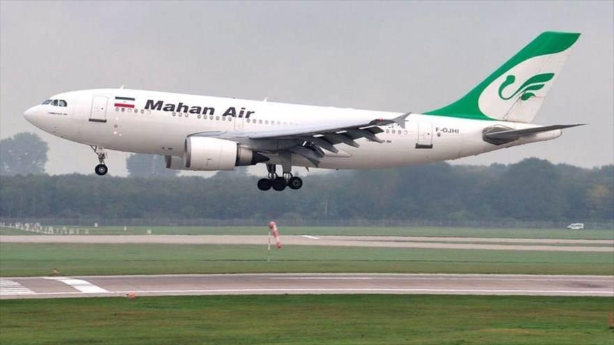 Avión de pasajeros de la aerolínea iraní Mahan Air.