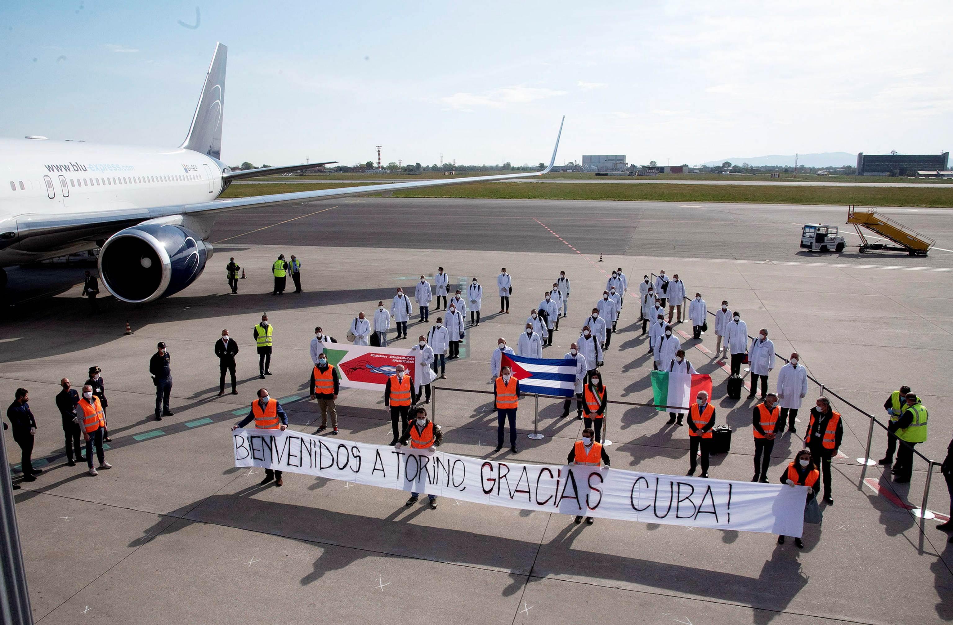 Cuba ha enviado a decenas de brigadas con miles de profesionales de la salud a numerosos países del mundo